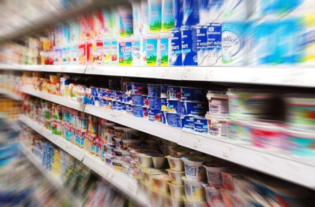 In Verhandlungen über die Aufnahme von Produkten ins Sortiment können starke Händler immer bessere Konditionen gegenüber den Herstellern durchsetzen. Foto: dpa