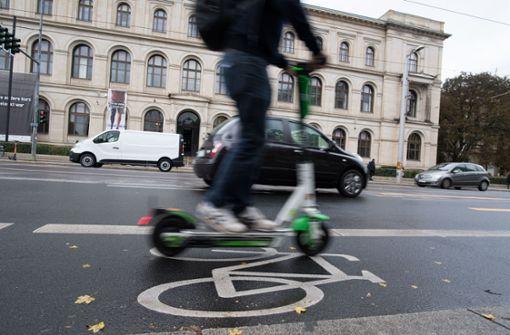 Jeder zweite E-Scooter-Fahrer in Stuttgart bricht Regeln