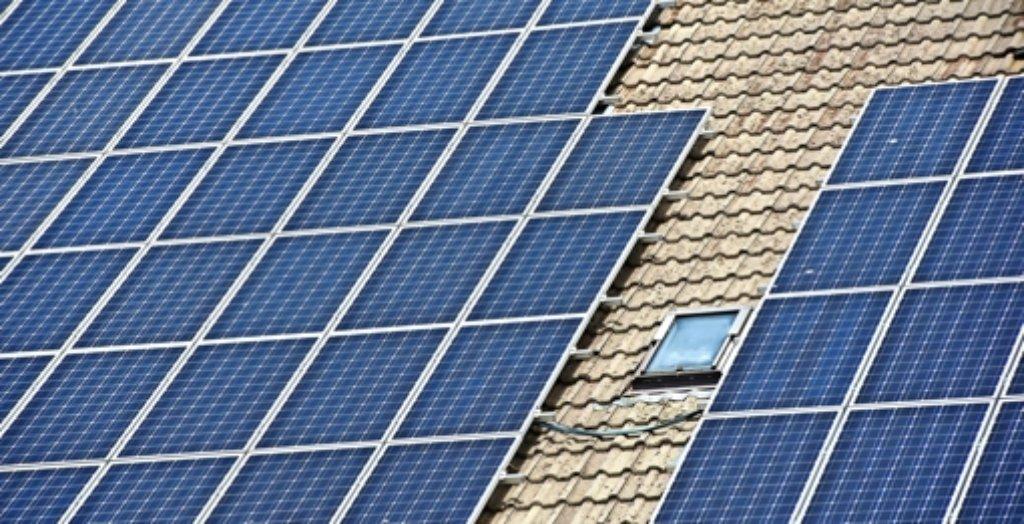 Wer die flüchtige Energie vom Dach speichern will, der wird von der Stadt gefördert. Foto: dpa