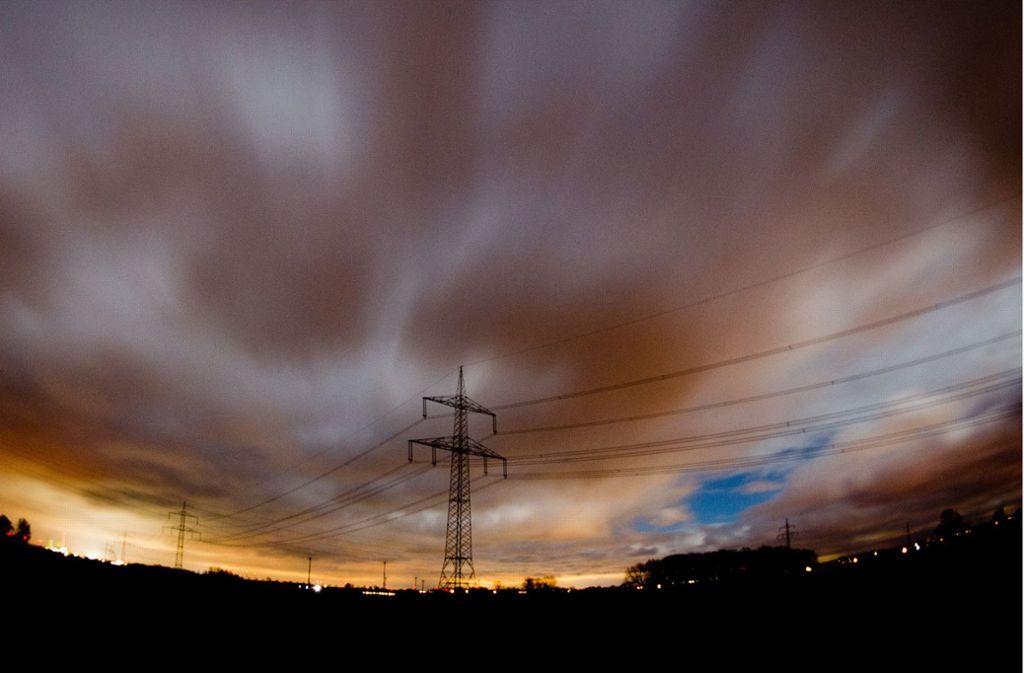 Solche Bilder soll es von der Sromtrasse Suedlink nicht geben: Das größte Energieprojekt in Deutschland  – 700 Kilometer Kabel, zehn Milliarden Euro Kosten – verläuft komplett unter der Erde. Foto: dpa