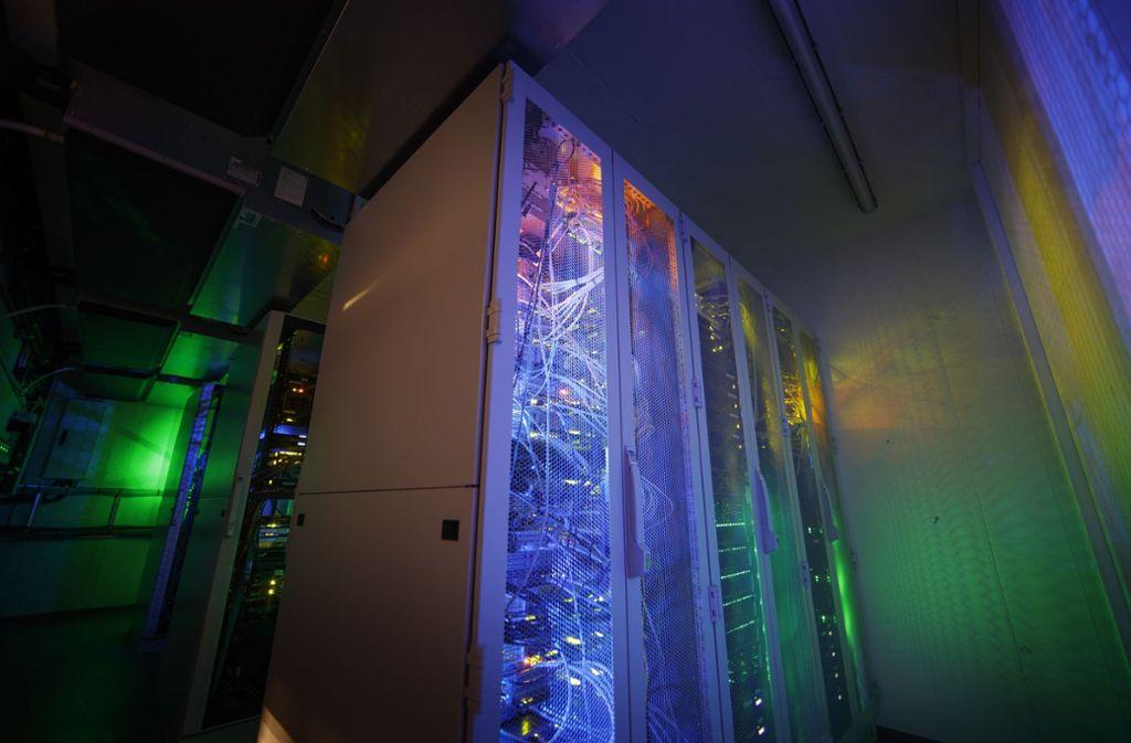 Ein Server im Rechenzentrum des Softwarezentrums Böblingen-Sindelfingen sorgt für die erforderliche Rechenleistung für die IT-Firmen. Foto: Softwarezentrum/Gottfried Stoppel/