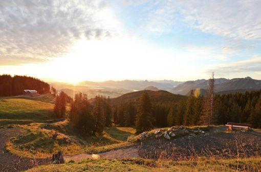Einzigartige Aussicht von der Alpspitze: Zugspitze, Schloss Neuschwanstein und Seen im Blick