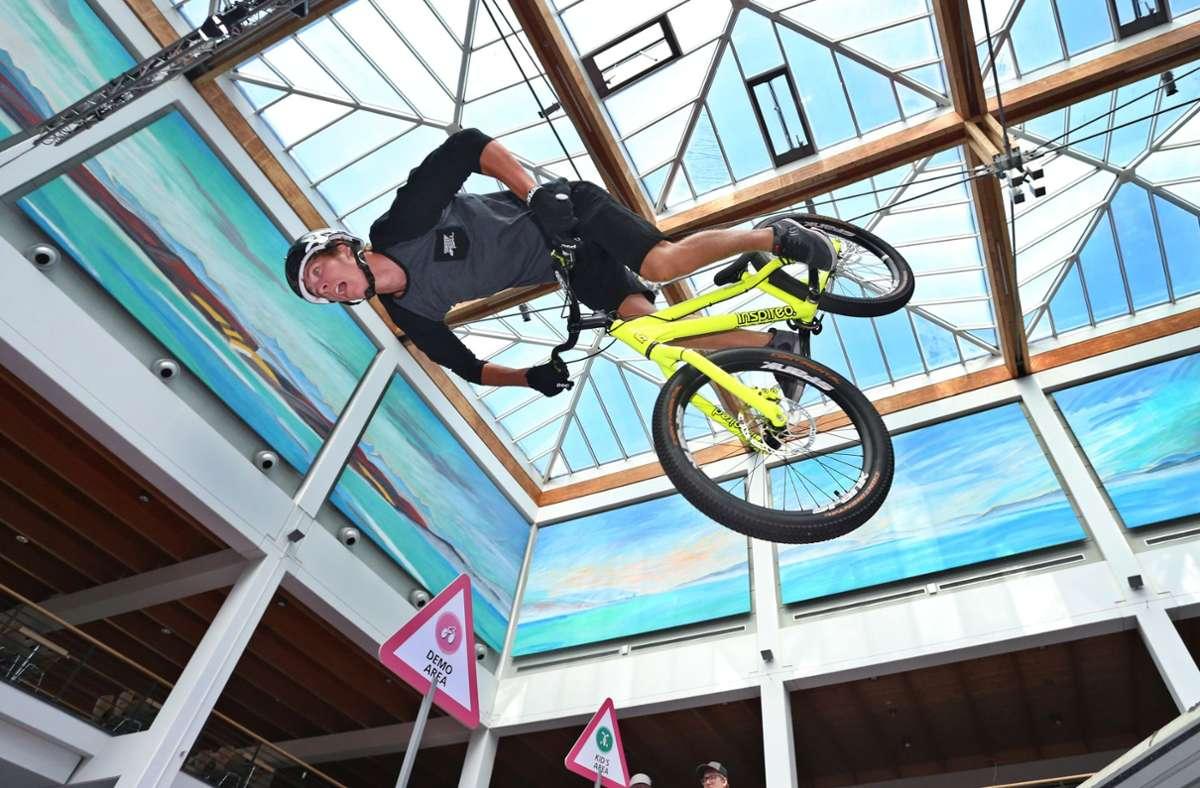 Auf der Eurobike werden regelmäßig die Trends rund ums Radfahren präsentiert. (Archivbild) Foto: dpa/Karl-Josef Hildenbrand