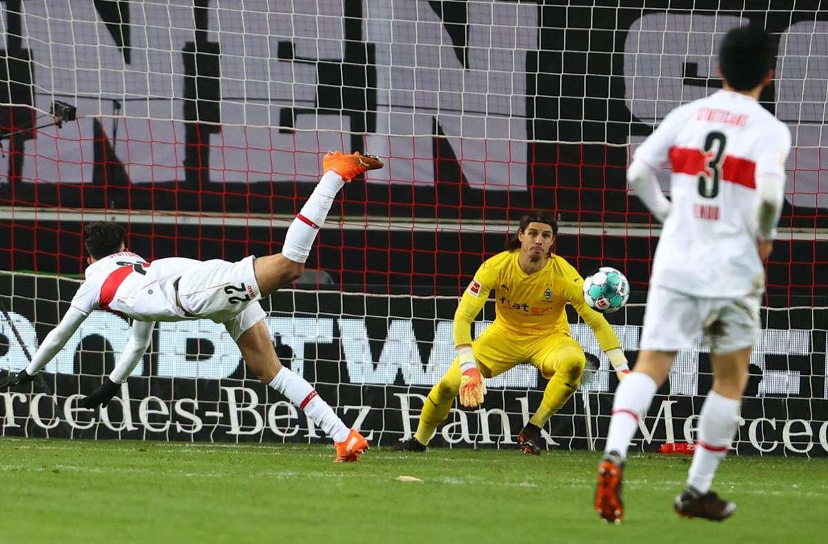 Nicolas Gonzalez trifft in der 58. Minute. Foto: AFP/KAI PFAFFENBACH