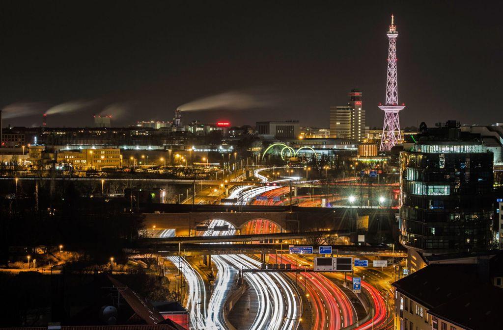 Berlin gilt als Startup-Hochburg in Deutschland. Mögen die Jobs in Startups auch interessant und reizvoll sein, das Gehalt ist es nicht, wie ein Vergleich mit klassischen Industrieunternehmen zeigt. Foto: dpa