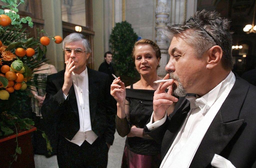 Auch beim Wiener Opernball wird geraucht – aber nur in einer speziellen Zone. Foto: