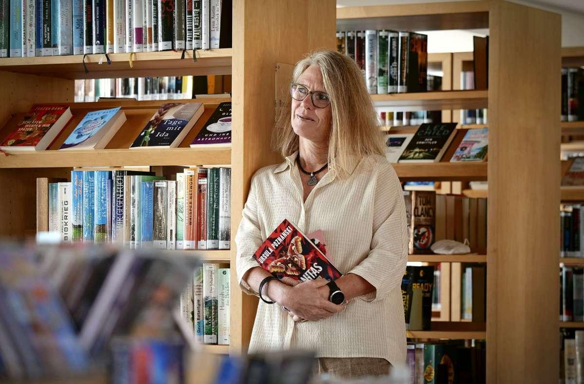 Annette Maucher ist die neue Leiterin der Gerlinger Bücherei. Foto: Simon Granville