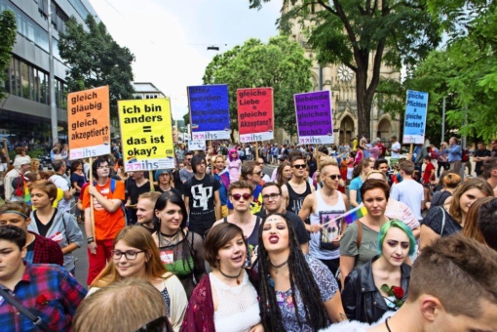 Die  CSD-Parade kann trotz der finanziellen Misere wegen der Unterschlagung auch  in diesem Jahr  wieder stattfinden. Foto: Christian Hass