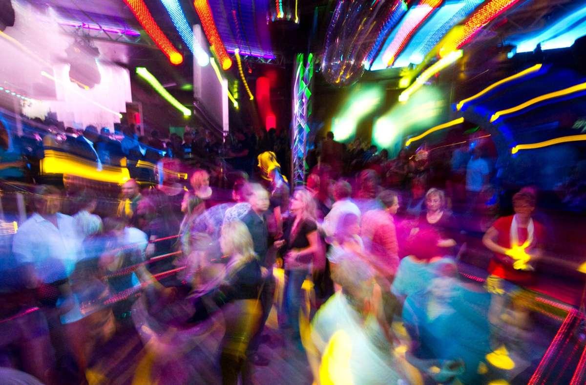 Clubs oder Diskotheken wie das Top10 in Tübingen haben schwer unter den Coronaverordnungen gelitten. (Symbolbild) Foto: dpa/Patrick Pleul