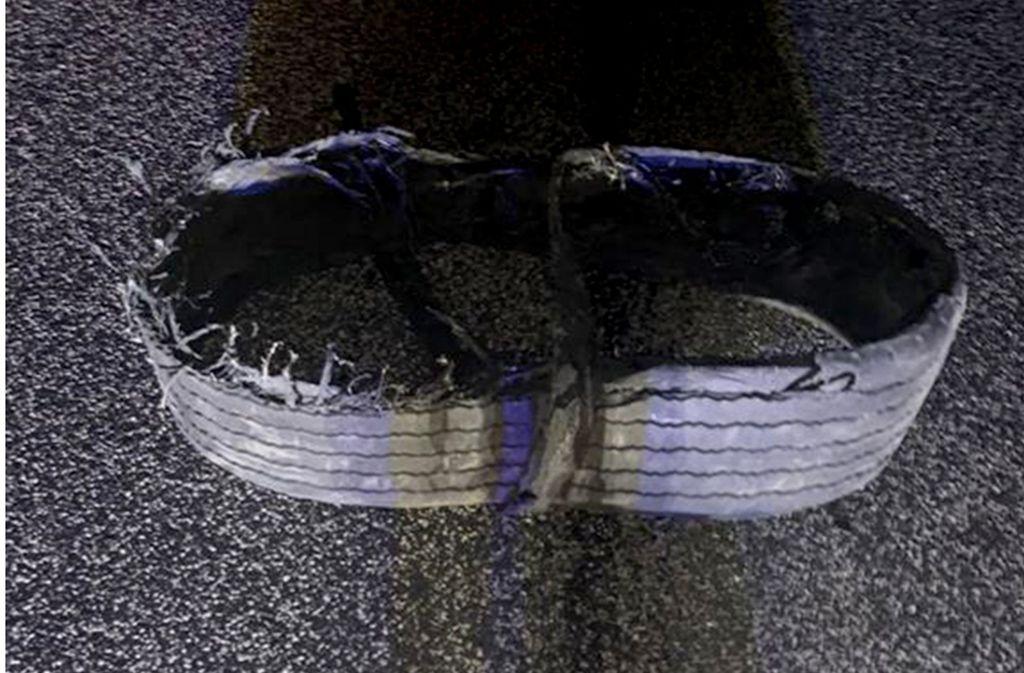Verletzt wurde durch den Reifen auf der A3 niemand. Foto: Verkehrsdirektion Koblenz