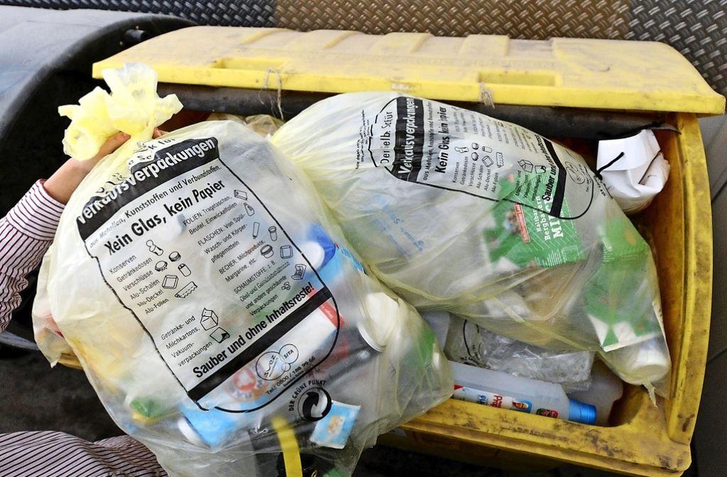 Das Müll-Sortieren bleibt für die Verbraucher kompliziert. Foto: dpa