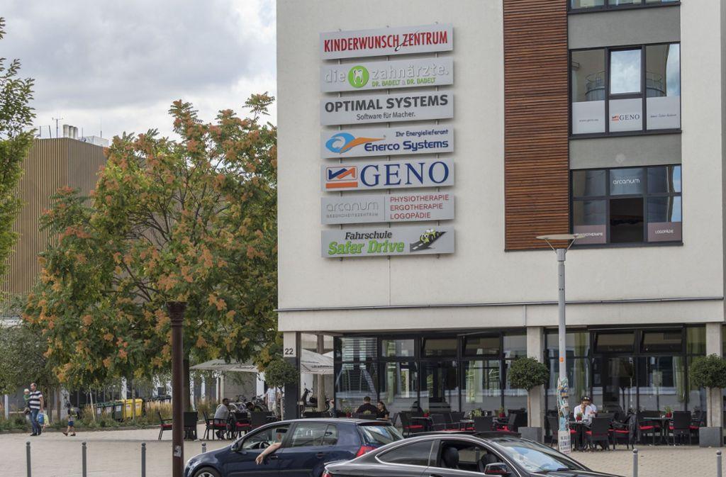 Neben der MHP-Arena war der Sitz der inzwischen insolventen Geno-Baugenossenschaft. Foto: factum//Andreas Weise