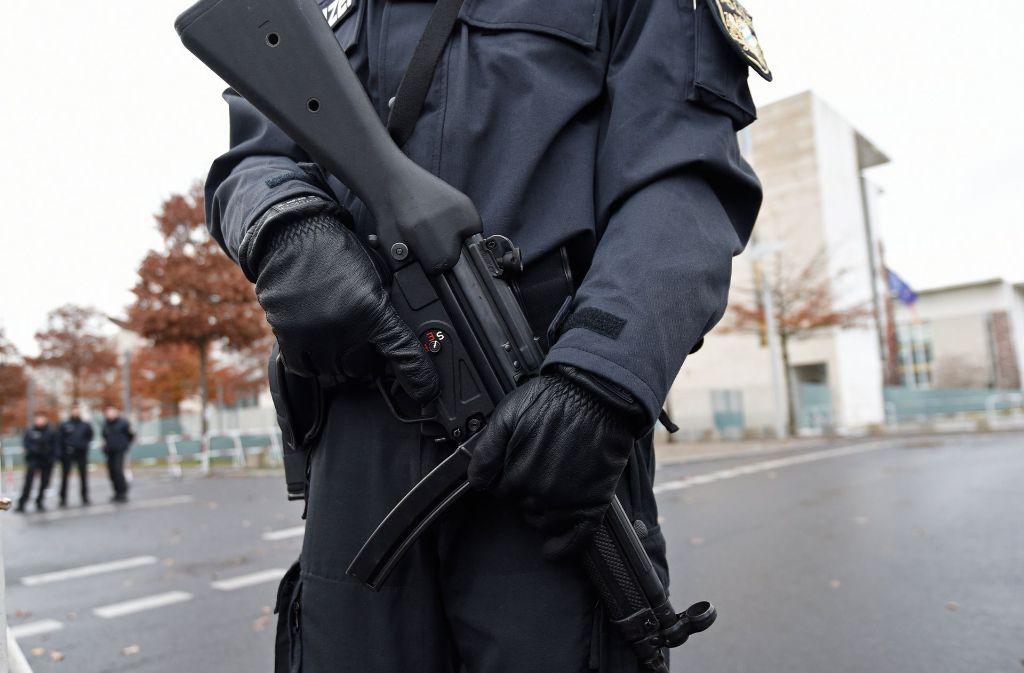 Eine gute Ausrüstung der Polizei ist wichtig – aber auch der angemessene Umgang mit Minderjährigen, meint unser Autor. Foto: dpa