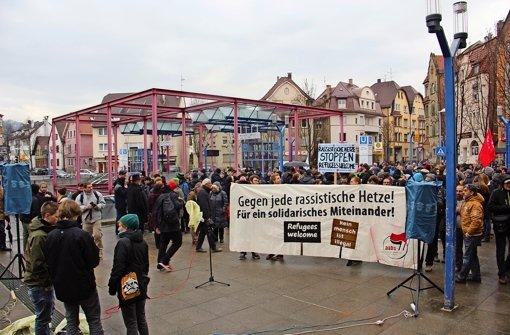 Auf dem Wilhelm-Geiger-Platz  fand  eine Kundgebung gegen Rassismus statt. Foto: Friedel