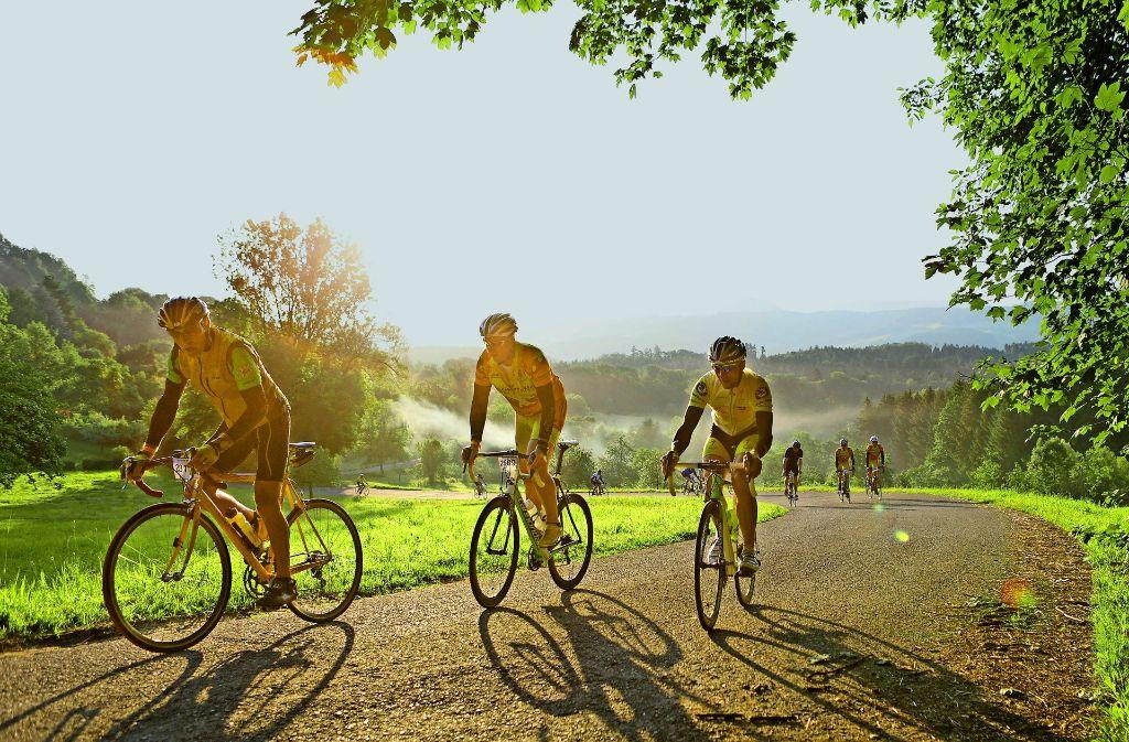 Der Radmarathon Alb-Extrem hinterlässt bleibende Eindrücke – auch in den Oberschenkeln der Radler auf dem Weg nach Hohenstaufen. Foto: Pressefoto Baumann