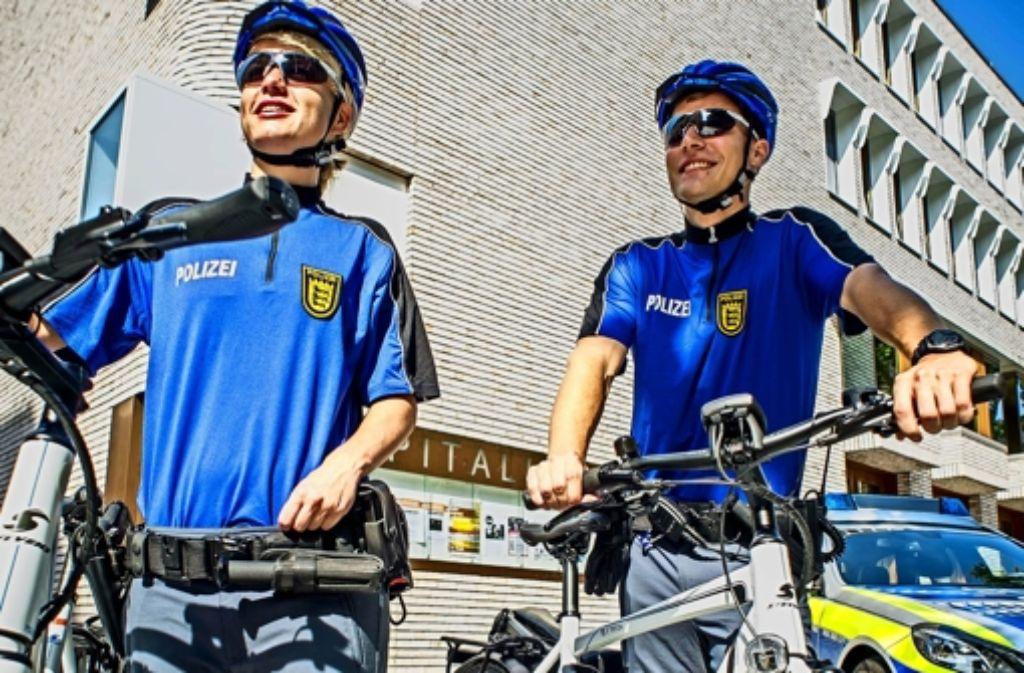 Einsatzort Hospitalhof: die  Fahrradstaffel ist  unterwegs. Foto: Lichtgut/Max Kovalenko