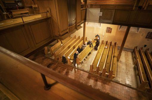 Skelette in Kirchenschiff gefunden