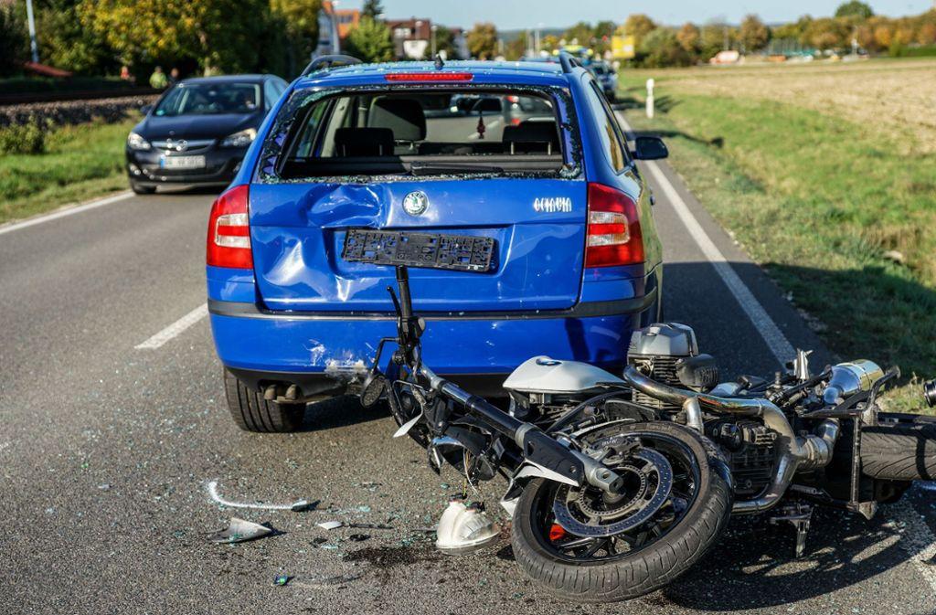 Der Motorradfahrer konnte nicht rechtzeitig bremsen. Foto: SDMG/ / Kohls