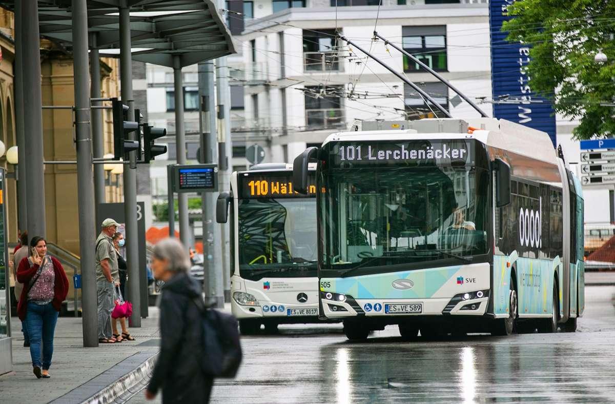 Die Esslinger Oberleitungsbusse sind nicht nur geschichtsträchtig, sondern auch zukunftsweisend. Die Chancen stehen gut, dass 2024  im Stadtgebiet kein Dieselbus mehr fährt. Foto: Ines Rudel