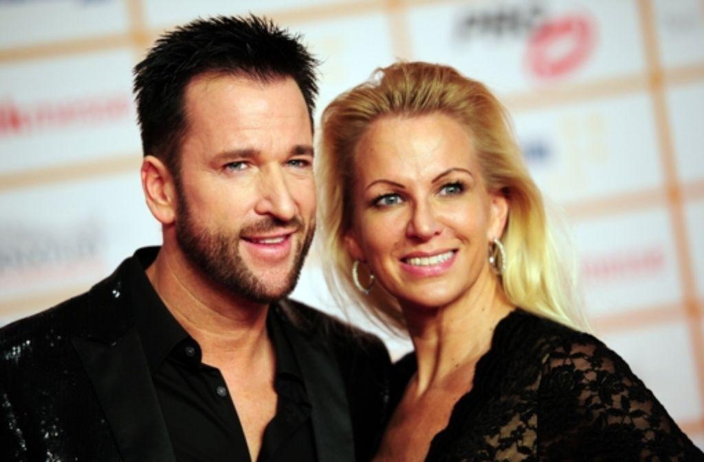 Auf dem roten Teppich bei den Live Entertainment Awards: Michael Wendler und seine Frau Claudia. Foto: dpa