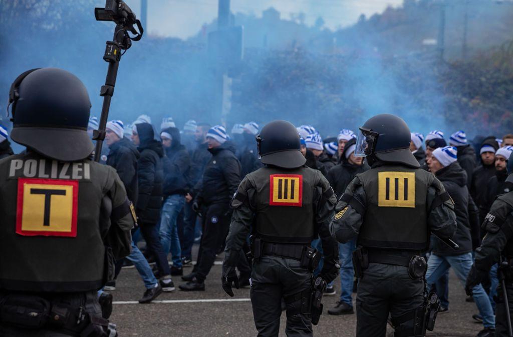 De Polizei war beim Derby mit rund 700 Beamten im Einsatz. Foto: /Julian Rettig