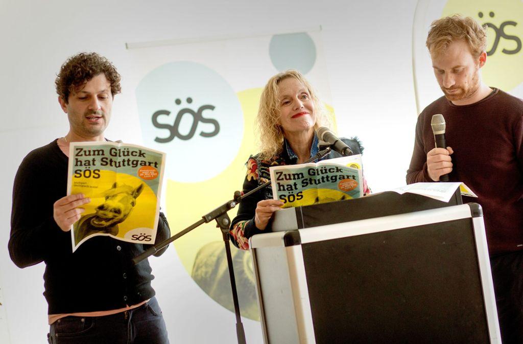 Lugi Pantisano (von links), Guntrun Müller-Enßlin und Hannes Rockenbauch von SÖS setzen sich für kostenfreie Kitas ein. Foto: Lichtgut/Christoph Schmidt