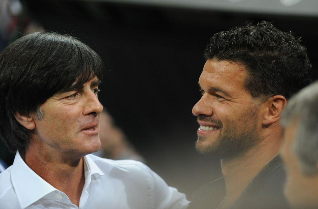 Michael Ballack (rechts) war von 2004 bis 2010 Kapitän der Nationalmannschaft. Foto: dpa