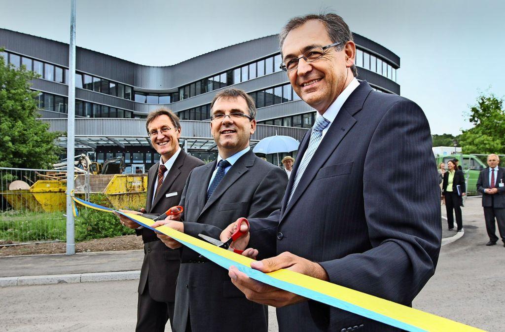 Claus Unger (vorn) mit dem IBM-Geschäftsführer Foto: Kraufmann/Thomas Hörner