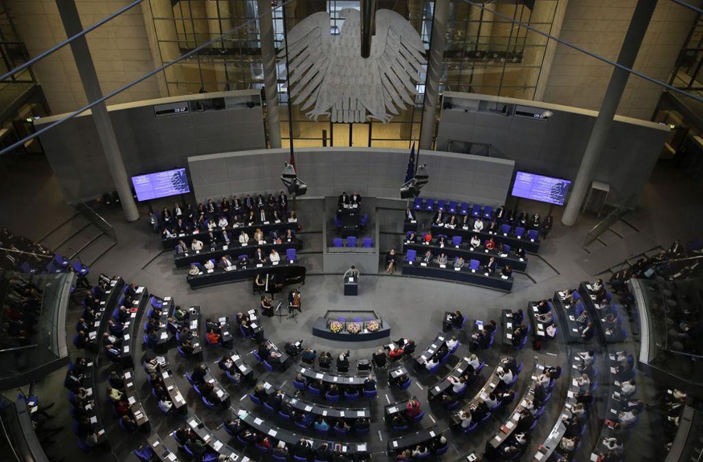 Der Bundestag müsse kleiner werden, fordert Thomas Oppermann. Foto: AP