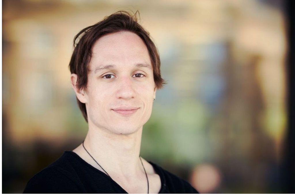 """Roman Novitzky präsneitert  im Treffpunkt Rotebühlplatz sein Buch """"Der tanzende Blick"""" Foto: Steffen Schmid"""