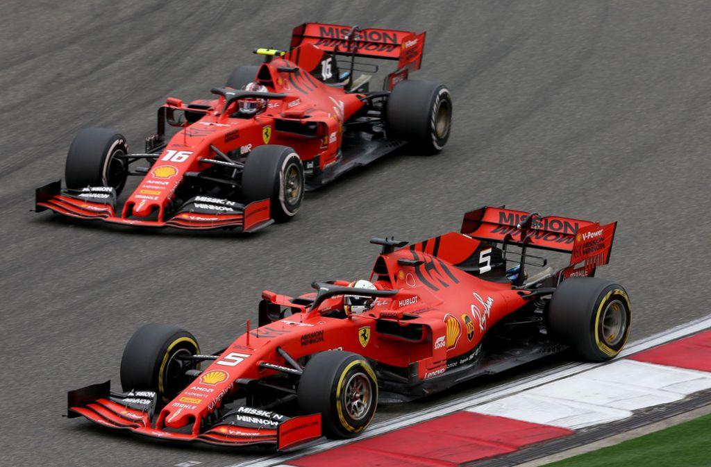 Teamorder bei Ferrari: Charles Leclerc (Nummer 16) muss Sebastian Vettel vorbeilassen. Foto: Getty