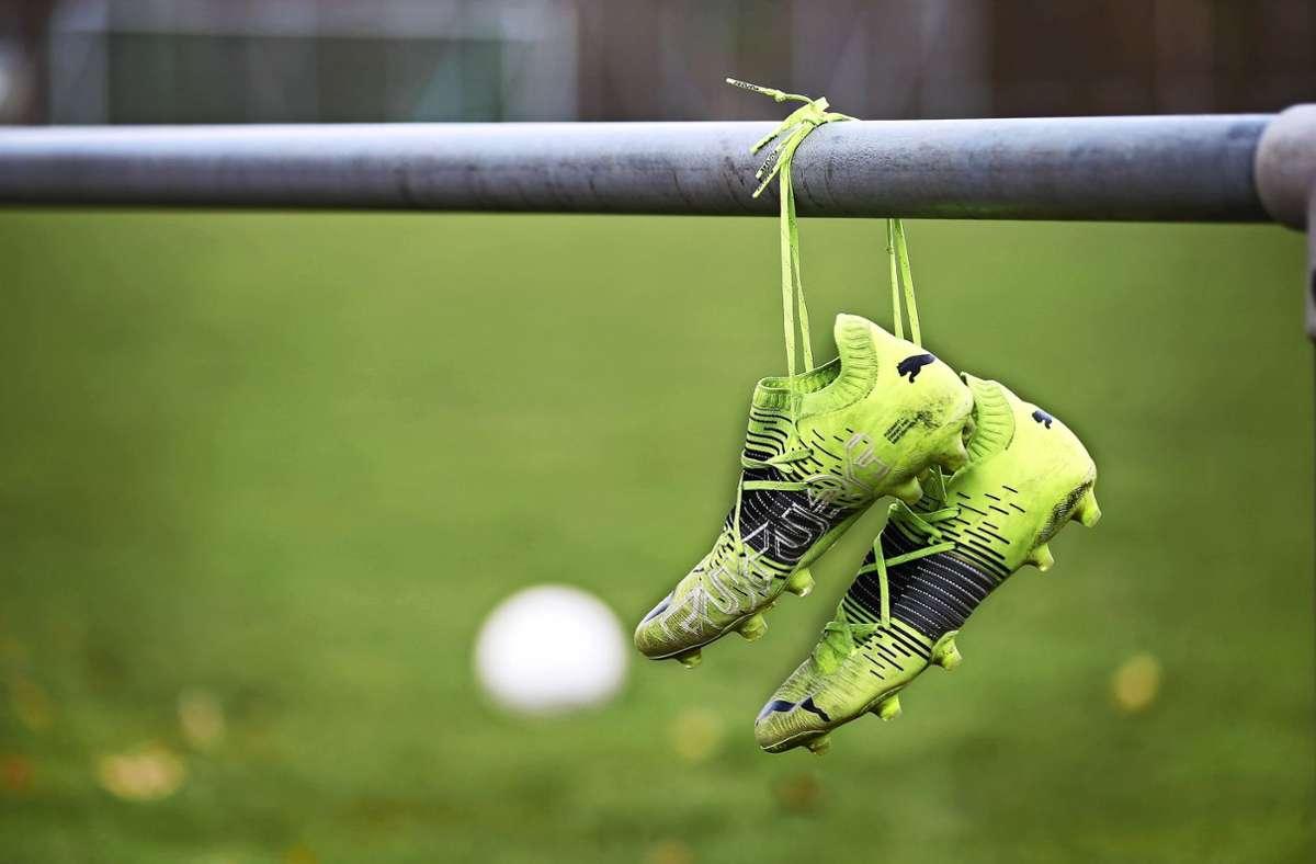 Die Schuhe blieben hängen: Die Partie Freiberg gegen Linx  wurde  abgesagt. Foto: /Avanti/Ralf Poller