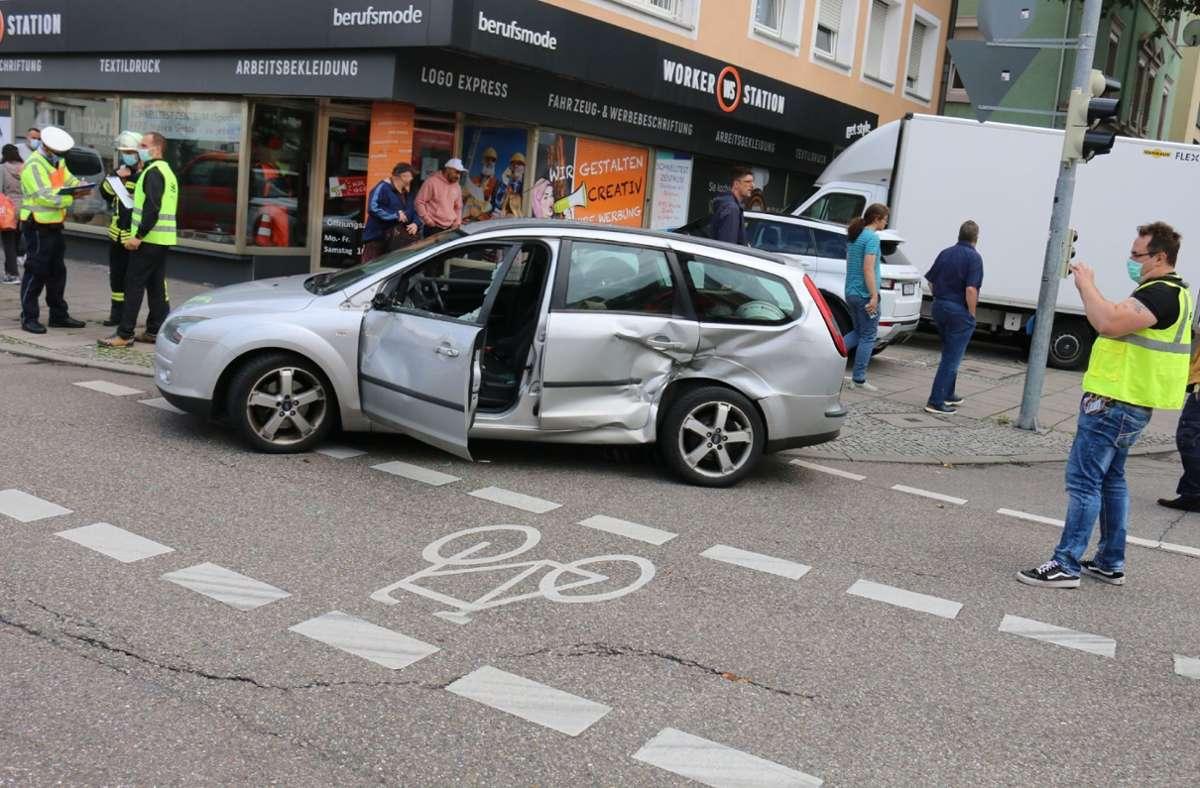 Die Polizei bezifferte den Sachschaden auf mehrere Tausend Euro. Foto: SDMG/Pusch