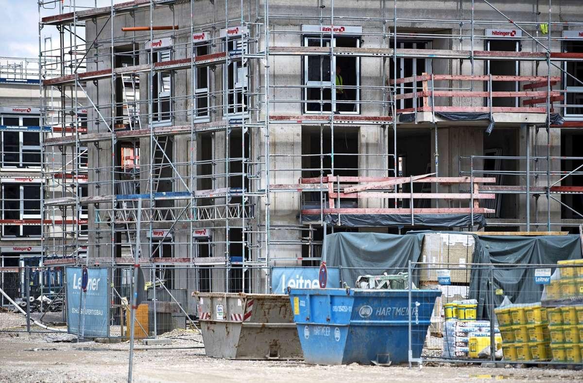 Etwa 200 bis 250 neue Wohnungen könnten am Logauweg entstehen. Foto: dpa/Hoppe
