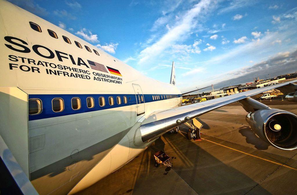 Die fliegende Sternwarte Sofia ist auf dem Stuttgarter Flughafen gelandet. Foto: dpa/Christoph Schmidt