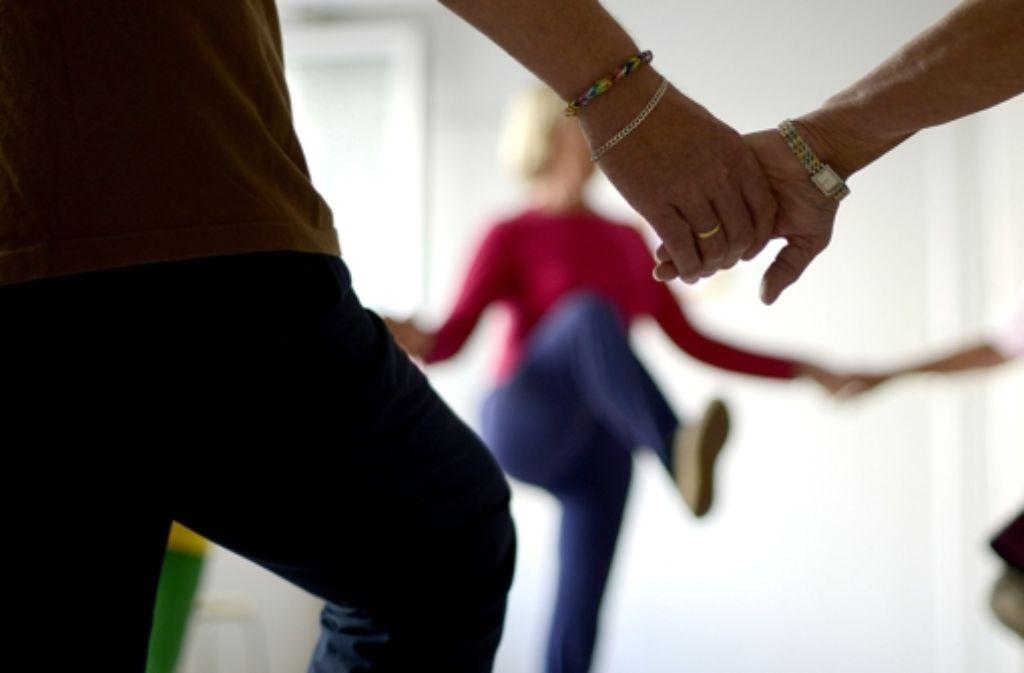 Die richtige Gymnastik hilft bei Problemen mit dem Rücken oder den Gelenken. Foto: dpa