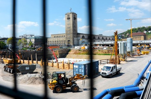 Umstritten und teuer: Das Bahnhofsprojekt Stuttgart 21 Foto: dpa