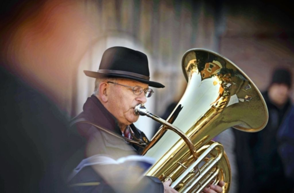 Blitzblankes Blech: im Instrument spiegelt sich Baachs Zentrum. Foto: Gottfried Stoppel