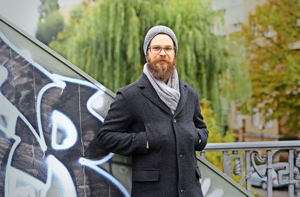 """Hipper Wirt: Benjamin Becker  bietet im """"einsunternull"""" Spitzenküche, ohne sich den Regeln der Sternegastronomie zu unterwerfen Foto: Maurizio Gambarini"""
