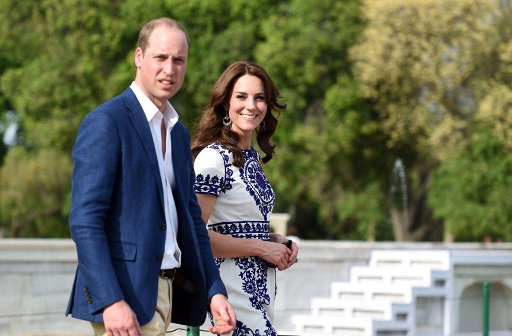 Immer freundlich, immer fröhlich: Mit viel Disziplin vertreten Herzogin Kate und Prinz William das britische Königshaus. Foto: AFP