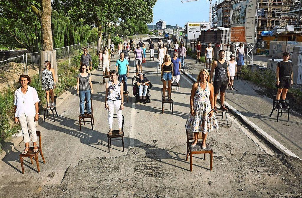 Der österreichische Choreograf Willi Dorner hat Heilbronner Bürger die Kalistraße besetzen lassen, inzwischen ist die Straße Geschichte. Foto: Bundesgartenschau Heilbronn/Willi Dorner/Lisa Rastl