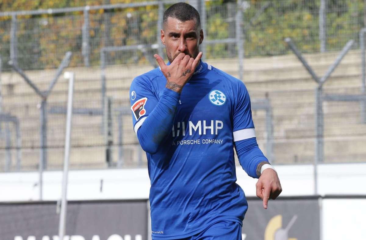 Trifft zum 2:0 für die Kickers: Stürmer Cristian Giles. Foto: Baumann