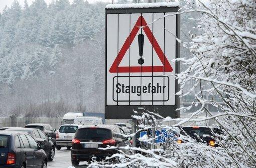 Auf der A8 ist weiter mit Stau zu rechnen. Foto: dpa