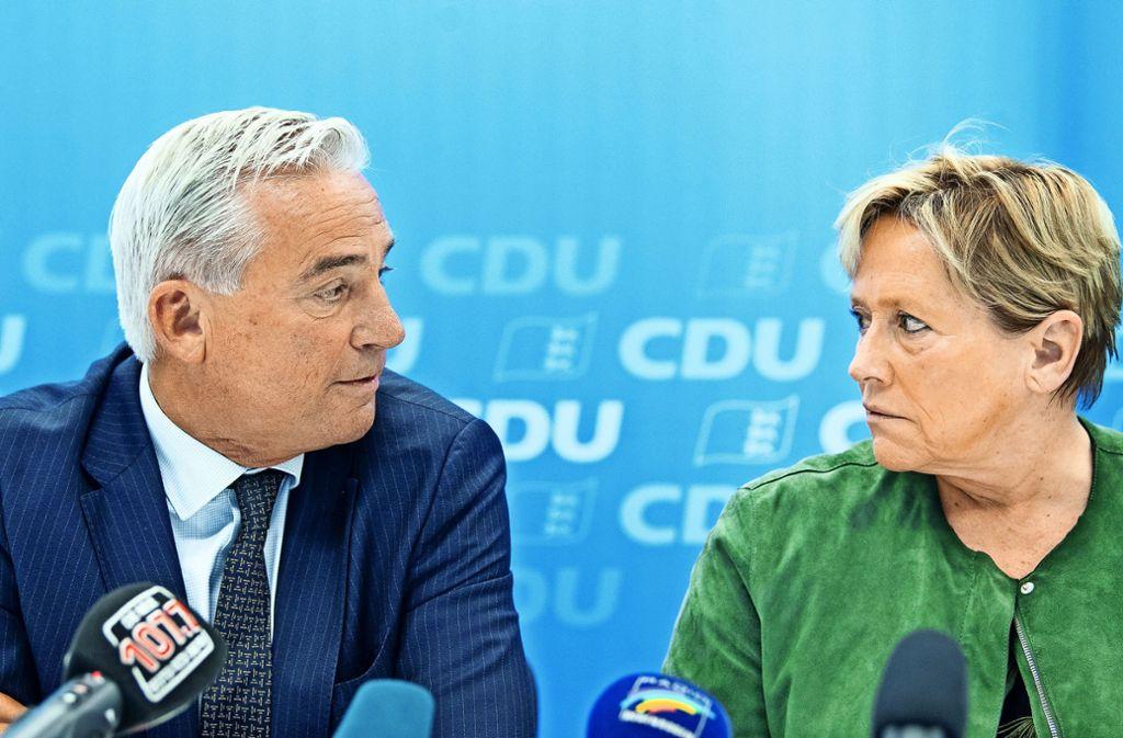 Sind sich nicht immer einig: Innenminister Strobl und Kultusministerin Eisenmann (beide CDU) Foto: dpa/Sebastian Gollnow