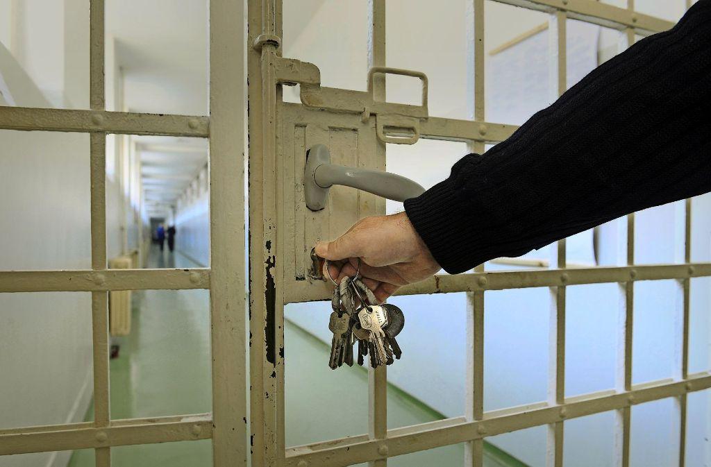 7252 Gefangene befanden sich Ende Januar in Haftanstalten des Landes, im Jahr 2003 waren es fast 9000. Foto: Fotolia/bibi