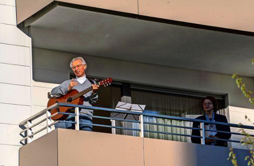 Abendliche Lieder vom Balkon