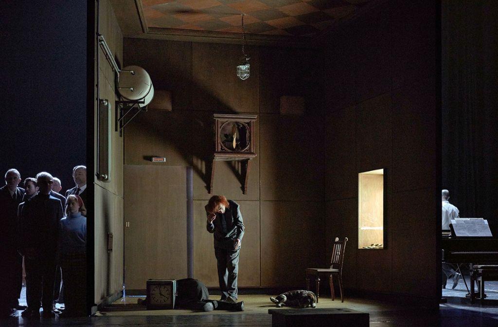 """Graham F. Valentine als """"La Peur"""" und Statisten in """"House of Usher"""" Foto: Walter Mair"""