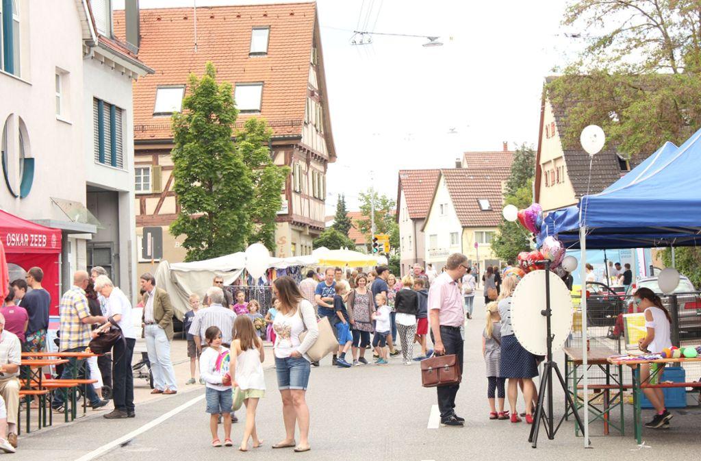 Rund um die Filderhauptstraße in Stuttgart-Plieningen kann am Sonntag ausnahmsweise eingekauft werden. Foto: Alessa Becker