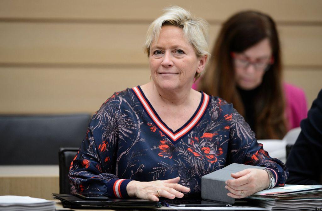 """Kultusministerin Susanne Eisenmann hat zum Aus der """"Grundschule ohne Noten"""" Stellung genommen. Foto: dpa"""