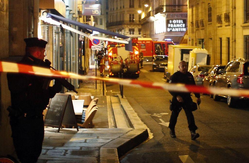 Bei der terroristischen Messerattacke in Paris sind fünf Menschen verletzt worden. Foto: AP